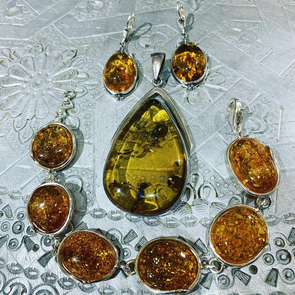 Ciondoli in ambra e argento 925